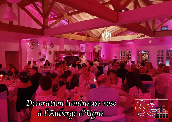 mise en lumiere decoration lumineuse rose saubrigues auberge d ugne repas diner restaurant dj sonorisation sud evenements animation