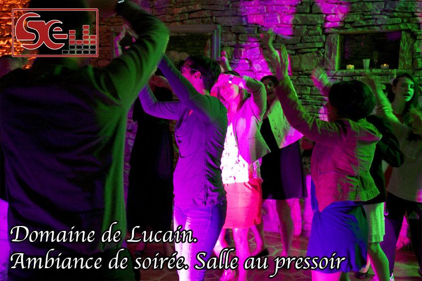 ambiance de soiree salle pressoir mariage domaine de lucain haut de gan