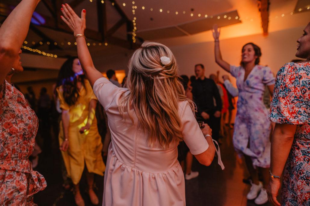 ambiance piste de danse dj djette sud evenements sonorisation domaine larbou bayonne mariage