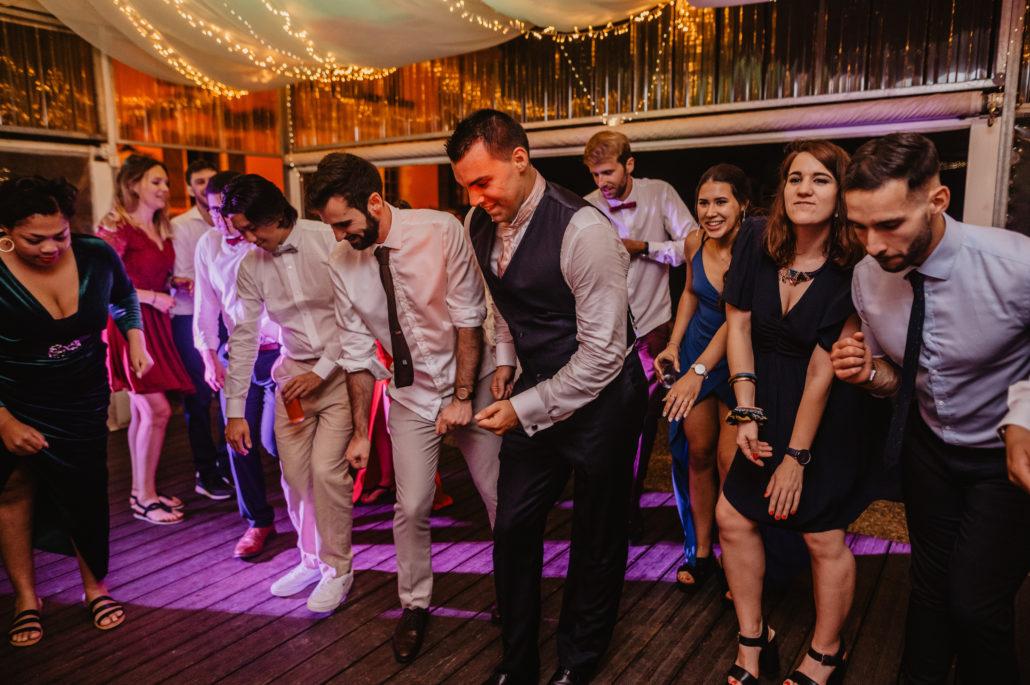 ambiance festive choregraphie piste de danse mariage wedding sud evenements sonorsation chateau du prada