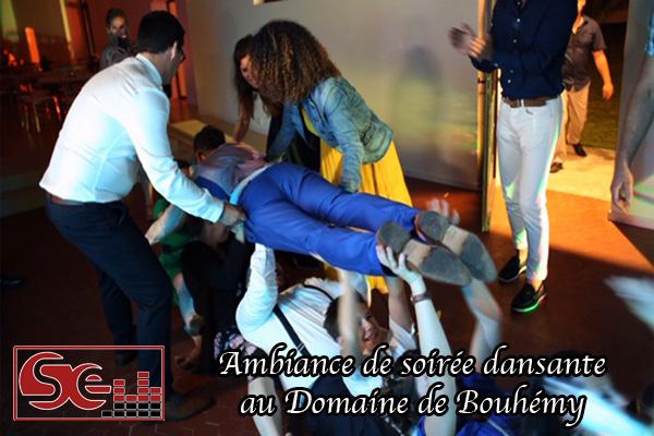 ambiance de soiree dansante domaine de bouhemy mise en lumiere piste de danse dj djette sud evenements sonorisation animateur animation pays basque musique ambiance chansons sud landes solferino sud ouest aquitaine bearn